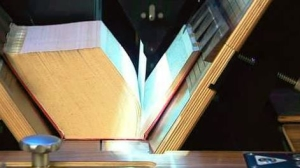 Non destructive Book scanning - Picture of a manual book scanning equipment